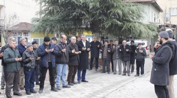 VEZİRHAN'DA KUTSAL TOPRAKLARA GİDENLER UĞURLANDI