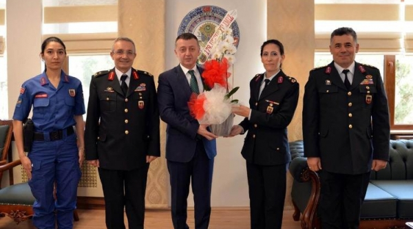 JANDARMADAN VALİ BÜYÜKAKIN'A 179'UNCU YIL ZİYARETİ