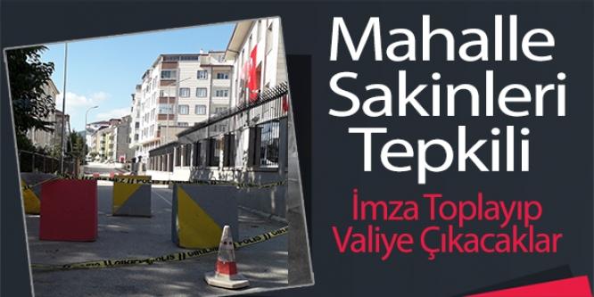 MAHALLE SAKİNLERİ BETON BARİYERLERİN KALDIRILMASINI İSTİYOR