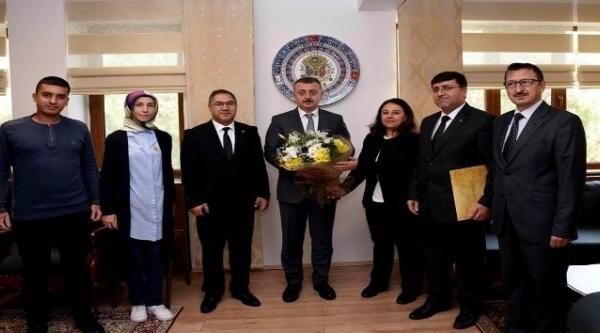 PTT BİLECİK VALİSİ TAHİR BÜYÜKAKIN'I MAKAMINDA ZİYARET ETTİ
