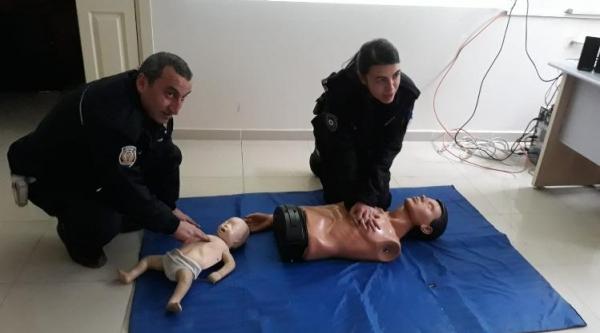 POLİSLERE İLK YARDIM EĞİTİMİ VERİLDİ