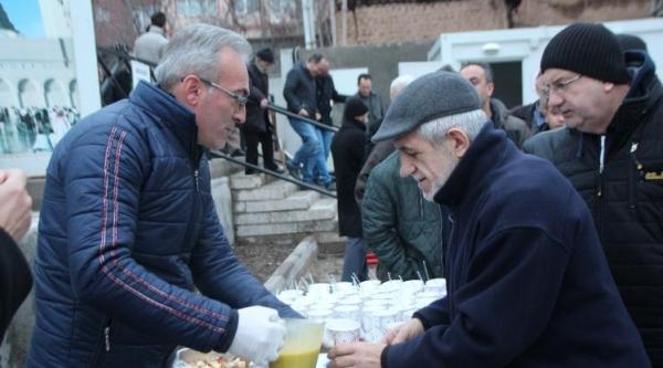 """BOZÜYÜKTE GELENEKSEL """"SABAH NAMAZI BULUŞMALARI"""" HAL  CAMİİ'NDE DEVAM ETTİ"""