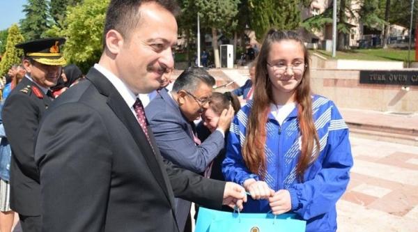 PAZARYERİSPOR KİCKBOKS KULÜBÜ ÖDÜLLENDİRİLDİ