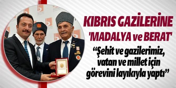 KIBRIS GAZİLERİNE 'MADALYA VE BERAT'