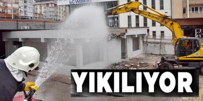 YIKILIYOR