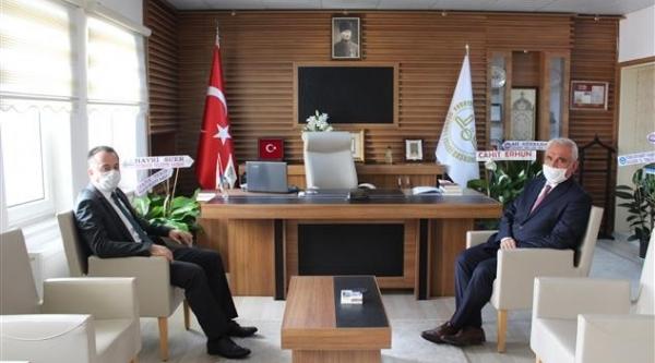 VALİ ŞENTÜRK'TEN İL MÜFTÜSÜ ERHUN'A İADEİZİYARET