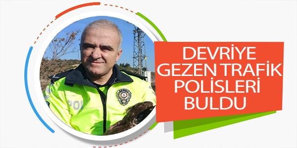 DEVRİYE GEZEN TRAFİK POLİSLERİ BULDU