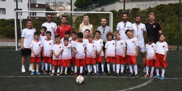 'YAZ FUTBOL OKULU' ÖĞRENCİLERİ İLE BİR ARAYA GELDİ