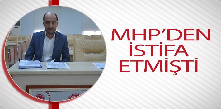 MHP'DEN İSTİFA ETTİ AMA, HALEN MHP SIRALARINDA OTURUYOR
