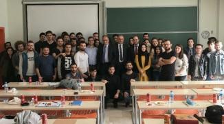 """""""LİDERLİK VE KARİYER"""" SEMİNERLERİ SÜRÜYOR"""