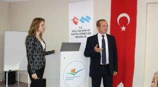 """""""KADINA YÖNELİK ŞİDDETLE MÜCADELE"""" SEMİNERİ DÜZENLENDİ"""
