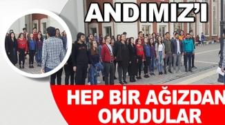ÜNİVERSİTE ÖĞRENCİLERİ HEP BİR AĞIZDAN 'ÖĞRENCİ ANDI'NI OKUDULAR