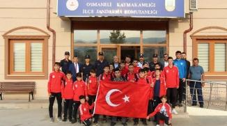 BAŞKAN ŞAHİN VE SPORCULARDAN 'BARIŞ PINARI HAREKÂTI' DESTEK ZİYARETİ