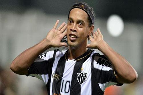 Ronaldinho işi bitmedi...
