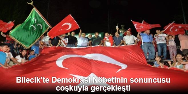 DEMOKRASİ NÖBETİ'NİN SONUNCUSU COŞKUYLA GERÇEKLEŞTİ