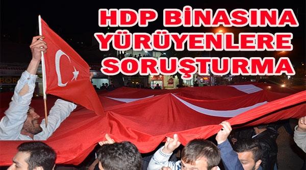 HDP BİNASINA YÜRÜYENLERE SORUŞTURMA