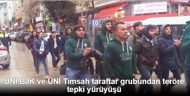 UNİ BJK ve UNİ Timsah taraftar grubundan teröre tepki yürüyüşü