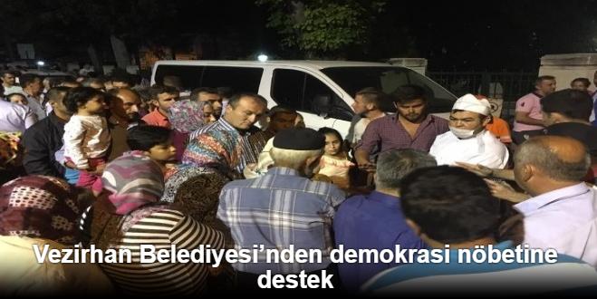 VEZİRHAN BELEDİYESİ'NDEN DEMOKRASİ NÖBETİNE DESTEK